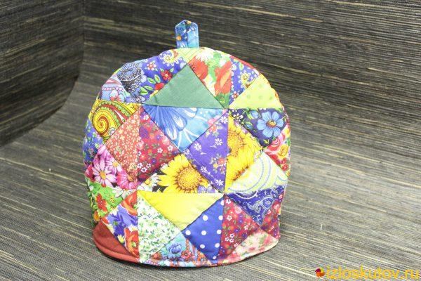 Лоскутная грелка на заварочный чайник № 1545